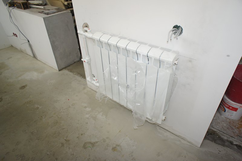 Установка радиатора отопления на лоджии