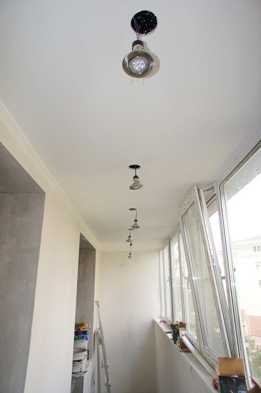 Точечные светильники на лоджии